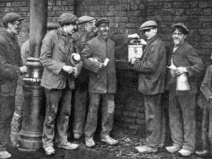 striking miners in GB